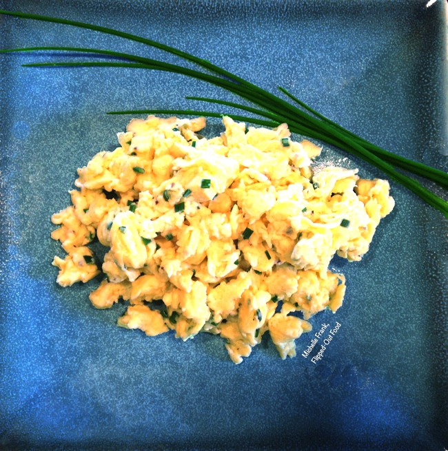 perfect scrambled eggs and chives