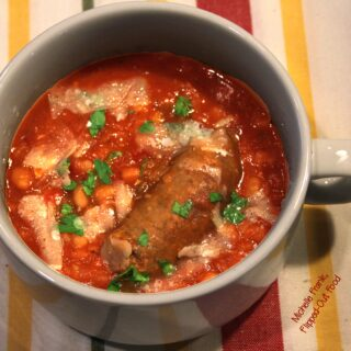 Slow-Cooker Salsiccie e Fagioli (Italian Sausage and Beans)