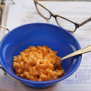 creamy microwave macaroni & cheese side view