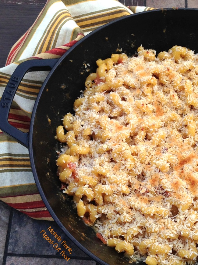 smoky one-pot macaroni & cheese close-up